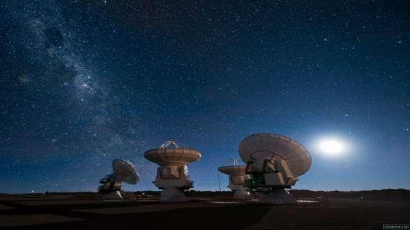 stephen-hawking-yuri-milner-SETI